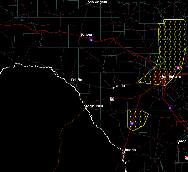 Radar Image for Severe Thunderstorms near Big Wells, TX at 5/15/2020 11:14 PM CDT