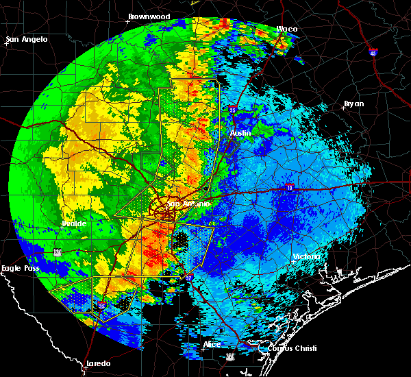 Radar Image for Severe Thunderstorms near Highland Haven, TX at 5/15/2020 11:23 PM CDT