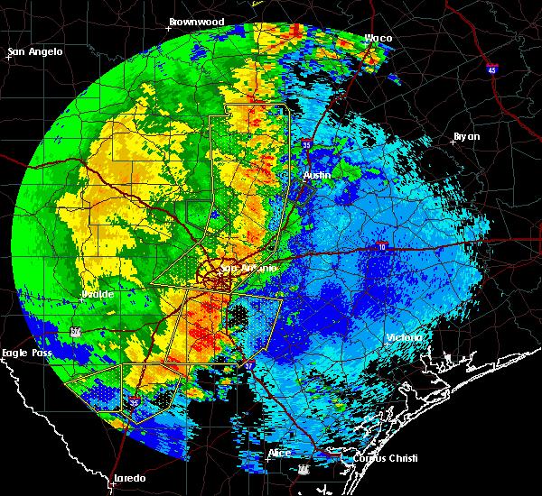 Radar Image for Severe Thunderstorms near Stockdale, TX at 5/15/2020 11:25 PM CDT