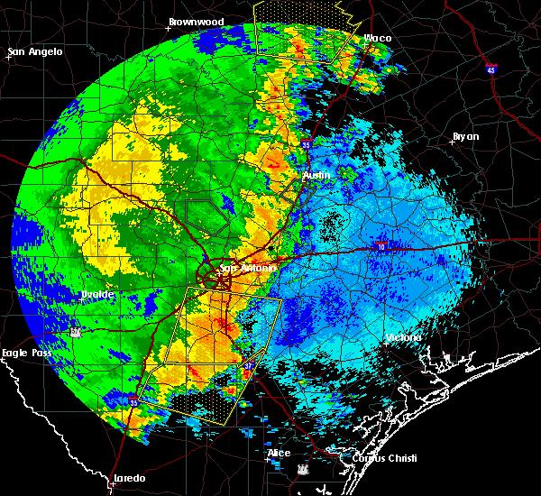Radar Image for Severe Thunderstorms near Christine, TX at 5/15/2020 11:42 PM CDT