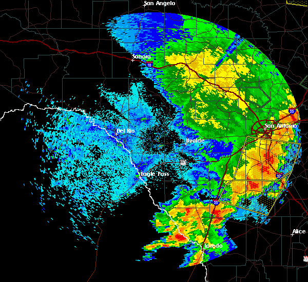 Radar Image for Severe Thunderstorms near Encinal, TX at 5/15/2020 11:43 PM CDT