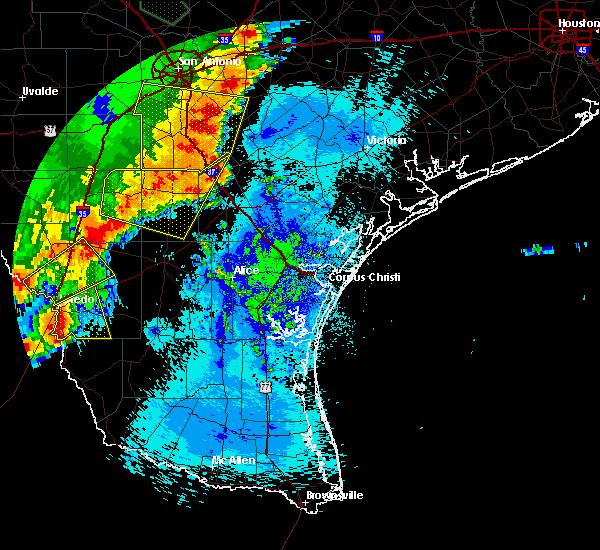 Radar Image for Severe Thunderstorms near Ranchitos Las Lomas, TX at 5/15/2020 11:55 PM CDT