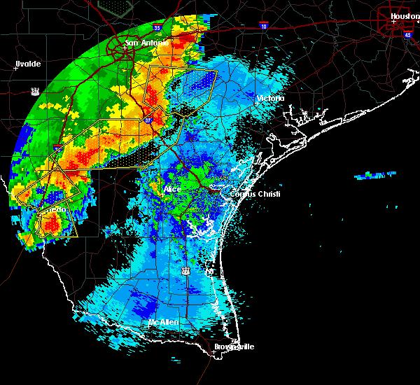 Radar Image for Severe Thunderstorms near Ranchitos Las Lomas, TX at 5/16/2020 12:11 AM CDT