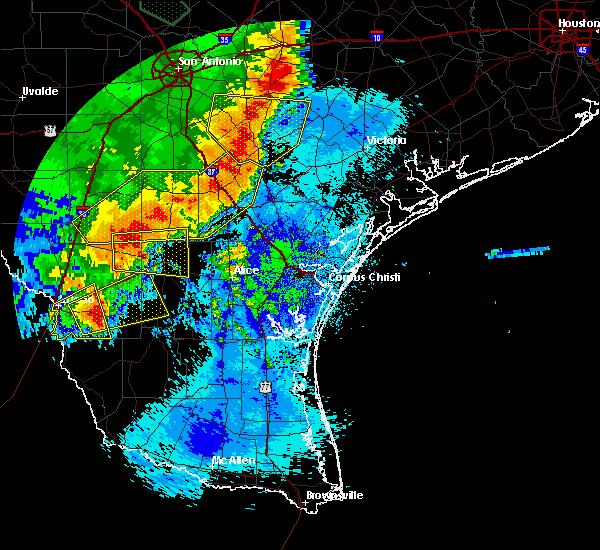 Radar Image for Severe Thunderstorms near Ranchitos Las Lomas, TX at 5/16/2020 12:28 AM CDT