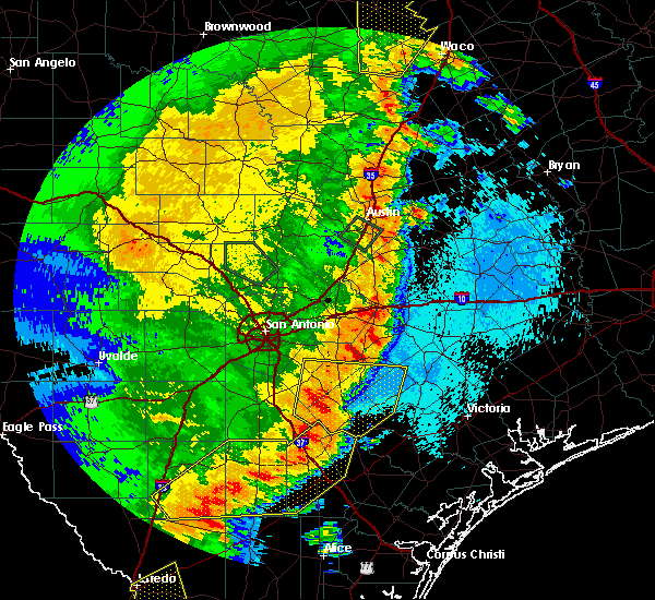 Radar Image for Severe Thunderstorms near Yoakum, TX at 5/16/2020 12:30 AM CDT
