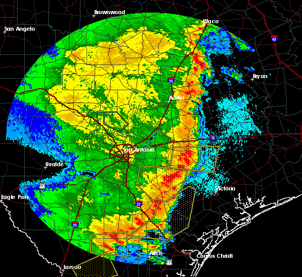 Radar Image for Severe Thunderstorms near Yoakum, TX at 5/16/2020 12:51 AM CDT