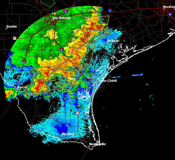Radar Image for Severe Thunderstorms near Goliad, TX at 5/16/2020 1:12 AM CDT