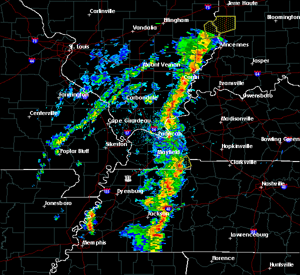 Radar Image for Severe Thunderstorms near Murray, KY at 5/17/2020 5:48 PM CDT