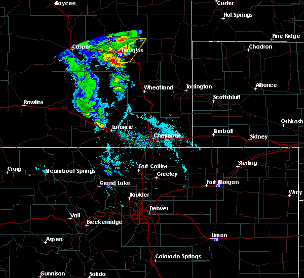 Radar Image for Severe Thunderstorms near Douglas, WY at 5/20/2020 3:09 PM MDT