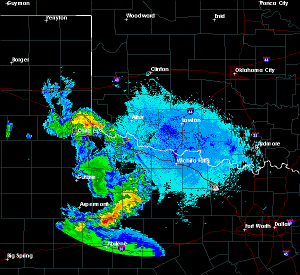 Radar Image for Severe Thunderstorms near Childress, TX at 5/20/2020 11:08 PM CDT