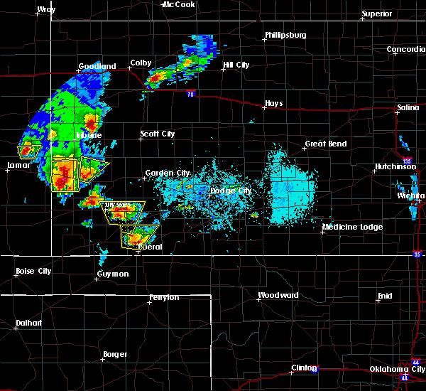 Radar Image for Severe Thunderstorms near Lakin, KS at 5/21/2020 6:16 PM CDT