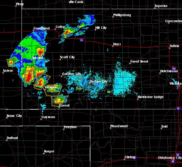 Radar Image for Severe Thunderstorms near Lakin, KS at 5/21/2020 6:29 PM CDT
