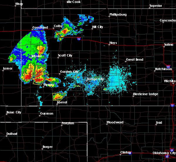 Radar Image for Severe Thunderstorms near Lakin, KS at 5/21/2020 6:43 PM CDT