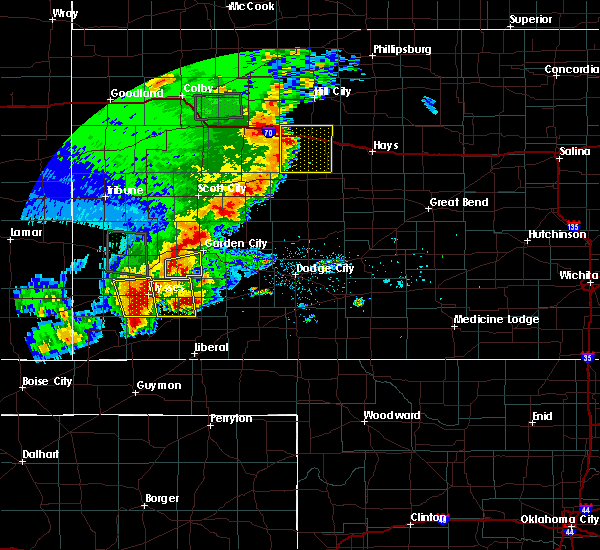 Radar Image for Severe Thunderstorms near Ulysses, KS at 5/21/2020 8:56 PM CDT