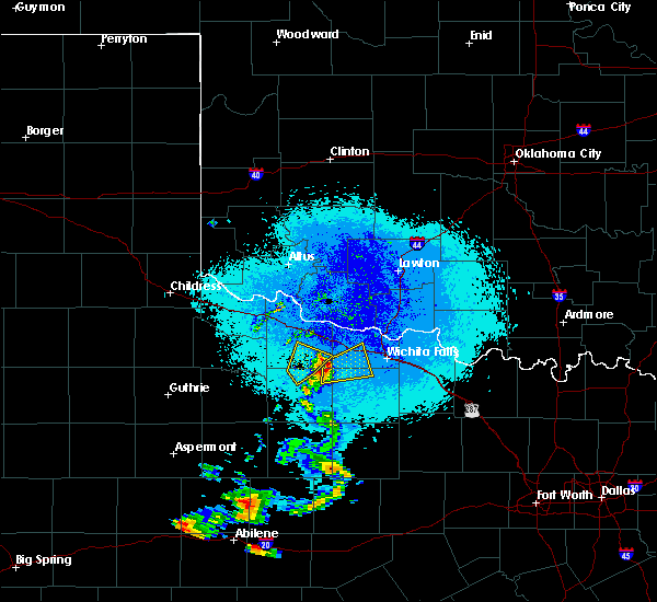 Radar Image for Severe Thunderstorms near Iowa Park, TX at 5/21/2020 9:29 PM CDT