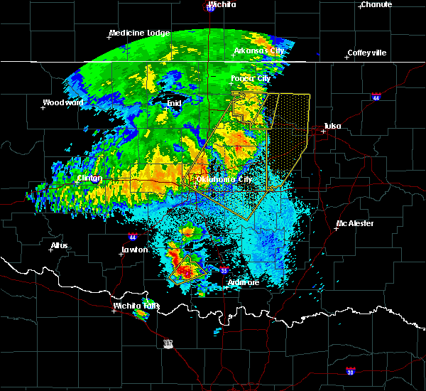 Radar Image for Severe Thunderstorms near Nicoma Park, OK at 5/22/2020 5:42 AM CDT