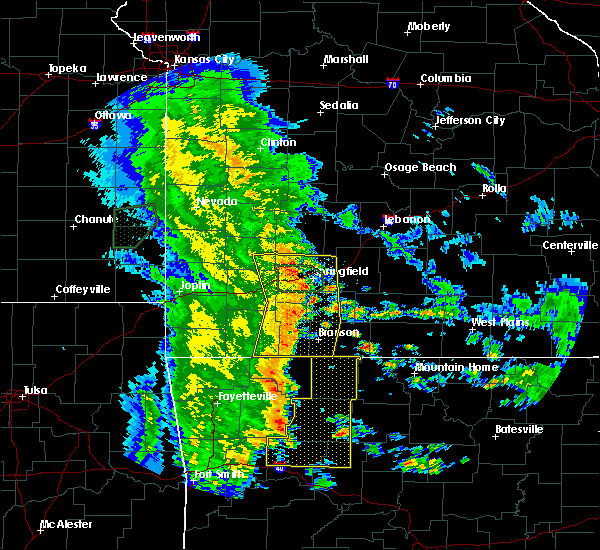 Radar Image for Severe Thunderstorms near Kimberling City, MO at 5/22/2020 10:58 AM CDT