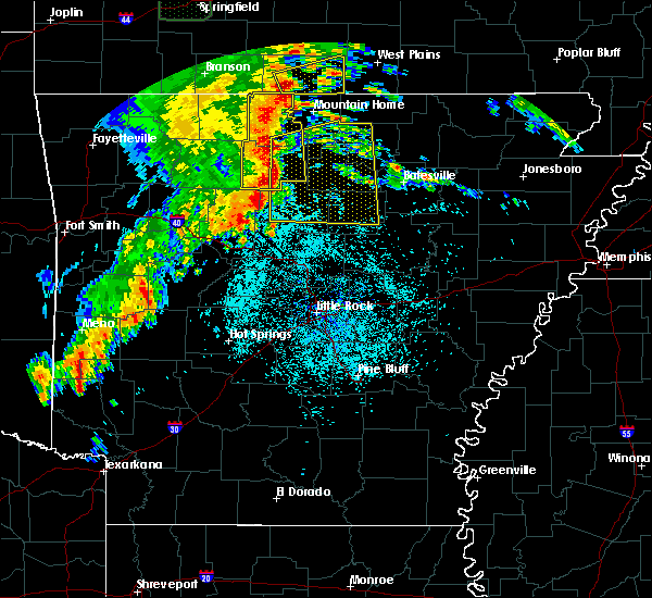 Radar Image for Severe Thunderstorms near Melbourne, AR at 5/22/2020 12:09 PM CDT