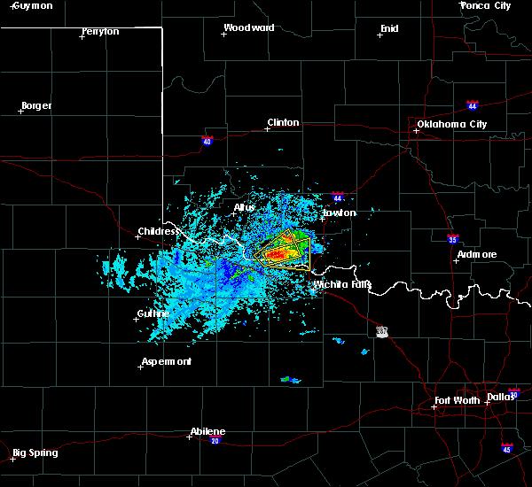 Radar Image for Severe Thunderstorms near Burkburnett, TX at 5/22/2020 5:31 PM CDT