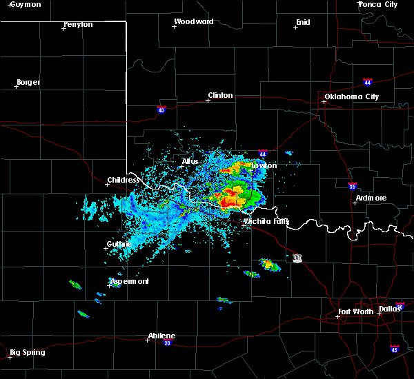 Radar Image for Severe Thunderstorms near Wichita Falls, TX at 5/22/2020 6:15 PM CDT