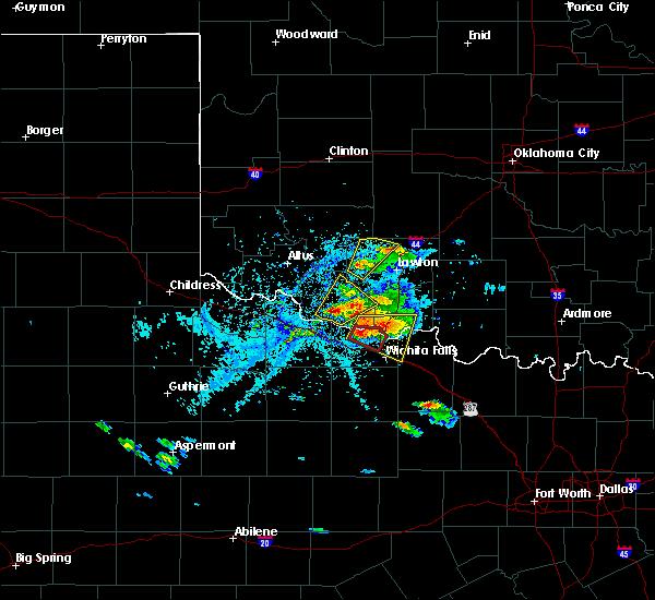 Radar Image for Severe Thunderstorms near Wichita Falls, TX at 5/22/2020 6:30 PM CDT