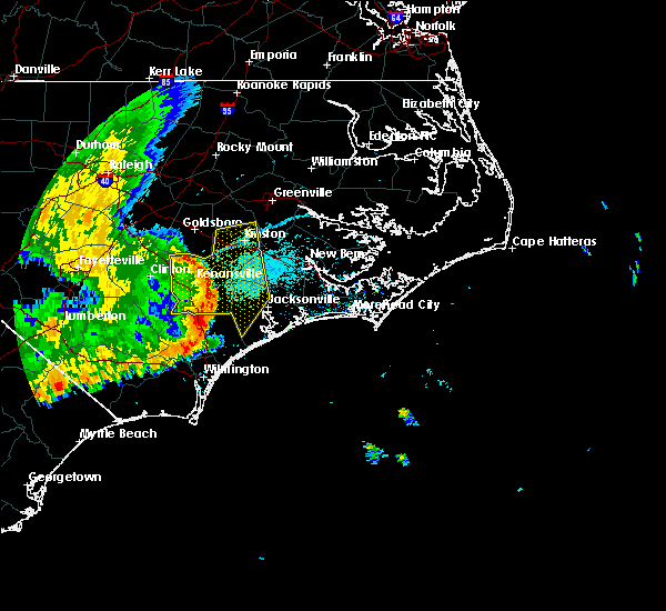 Radar Image for Severe Thunderstorms near Mount Olive, NC at 5/22/2020 7:49 PM EDT
