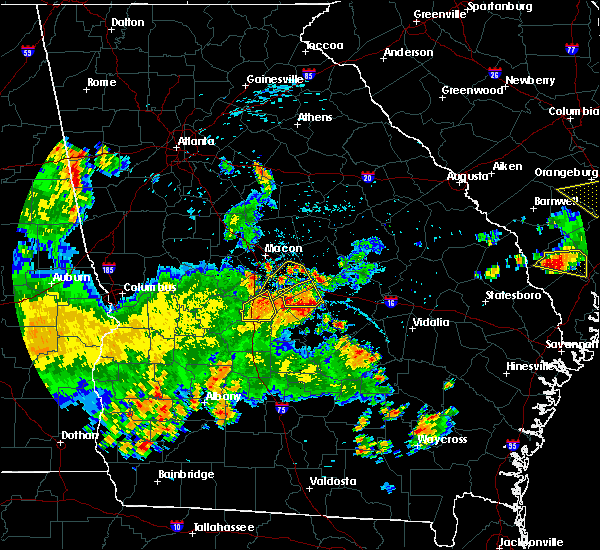 Radar Image for Severe Thunderstorms near Robins AFB, GA at 5/22/2020 8:02 PM EDT