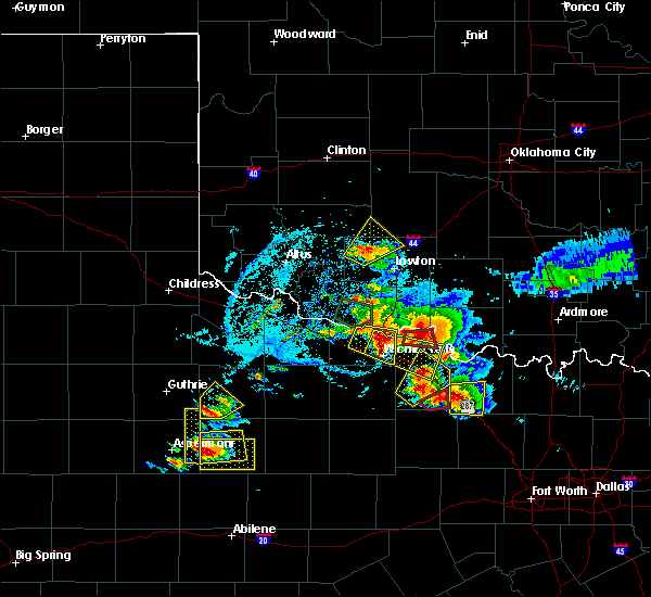 Radar Image for Severe Thunderstorms near Iowa Park, TX at 5/22/2020 7:57 PM CDT