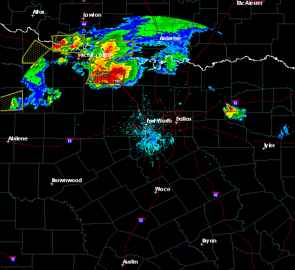 Radar Image for Severe Thunderstorms near Bowie, TX at 5/22/2020 8:58 PM CDT