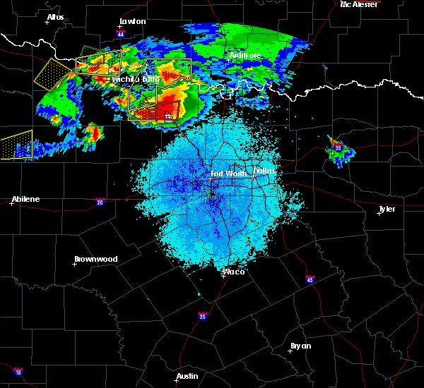 Radar Image for Severe Thunderstorms near Bowie, TX at 5/22/2020 9:16 PM CDT