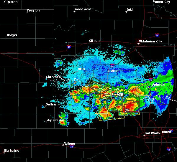 Radar Image for Severe Thunderstorms near Wichita Falls, TX at 5/22/2020 9:40 PM CDT