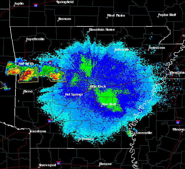 Radar Image for Severe Thunderstorms near Danville, AR at 5/22/2020 9:48 PM CDT