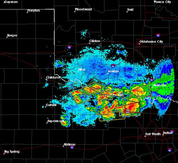 Radar Image for Severe Thunderstorms near Grandfield, OK at 5/22/2020 9:51 PM CDT