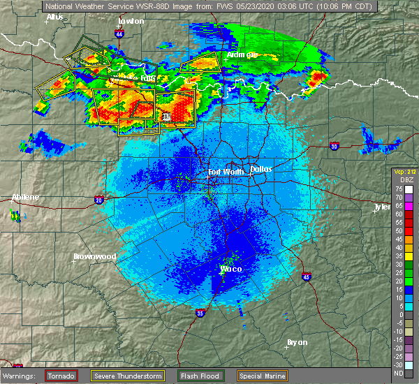 Radar Image for Severe Thunderstorms near Bowie, TX at 5/22/2020 10:12 PM CDT