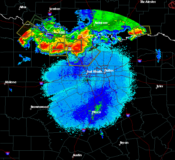 Radar Image for Severe Thunderstorms near Bowie, TX at 5/22/2020 10:34 PM CDT