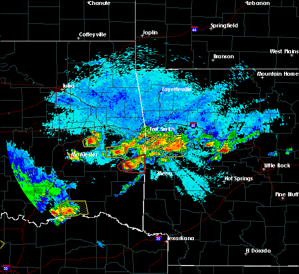 Radar Image for Severe Thunderstorms near Tamaha, OK at 5/22/2020 10:43 PM CDT