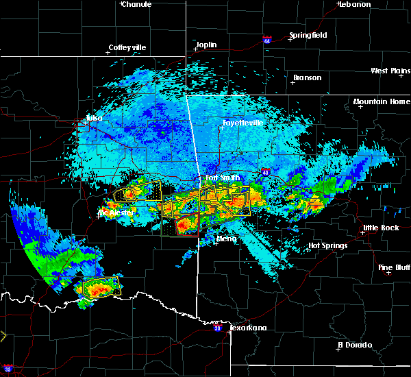 Radar Image for Severe Thunderstorms near Ratcliff, AR at 5/22/2020 10:51 PM CDT