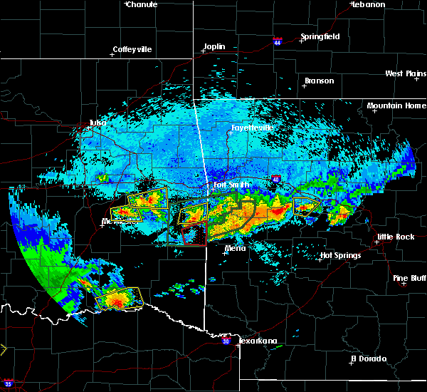 Radar Image for Severe Thunderstorms near Tamaha, OK at 5/22/2020 11:22 PM CDT