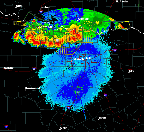 Radar Image for Severe Thunderstorms near Bridgeport, TX at 5/22/2020 11:25 PM CDT