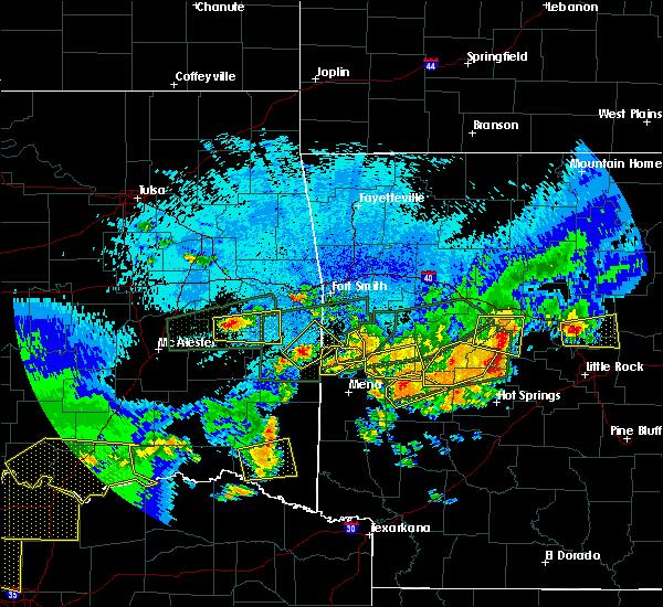 Radar Image for Severe Thunderstorms near Broken Bow, OK at 5/23/2020 12:41 AM CDT