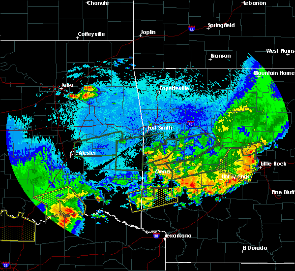 Radar Image for Severe Thunderstorms near De Queen, AR at 5/23/2020 1:34 AM CDT