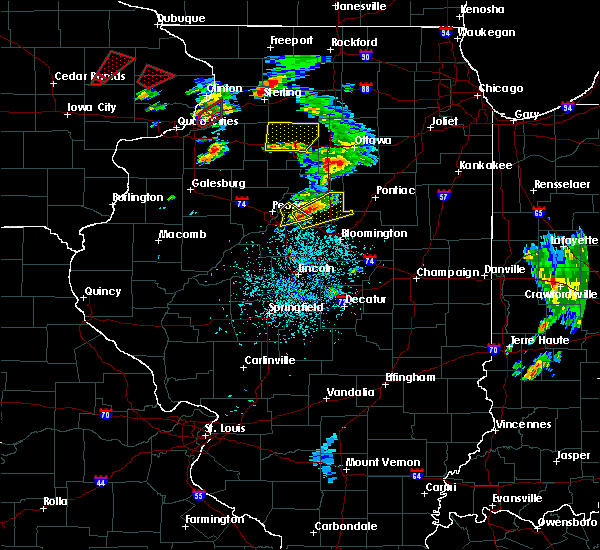 Radar Image for Severe Thunderstorms near Washington, IL at 5/23/2020 1:32 PM CDT
