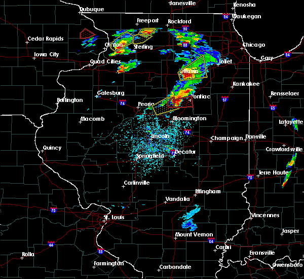 Radar Image for Severe Thunderstorms near Pontiac, IL at 5/23/2020 2:17 PM CDT