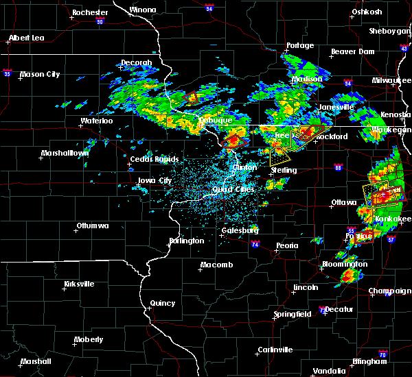Radar Image for Severe Thunderstorms near Elizabeth, IL at 5/23/2020 3:23 PM CDT