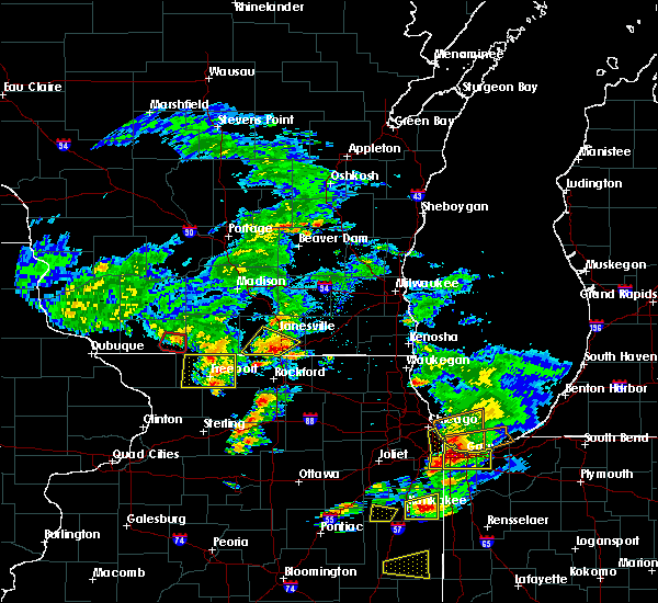 Radar Image for Severe Thunderstorms near Lake Summerset, IL at 5/23/2020 4:52 PM CDT