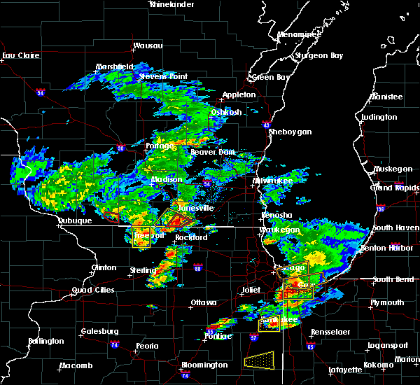 Radar Image for Severe Thunderstorms near Lake Summerset, IL at 5/23/2020 4:56 PM CDT