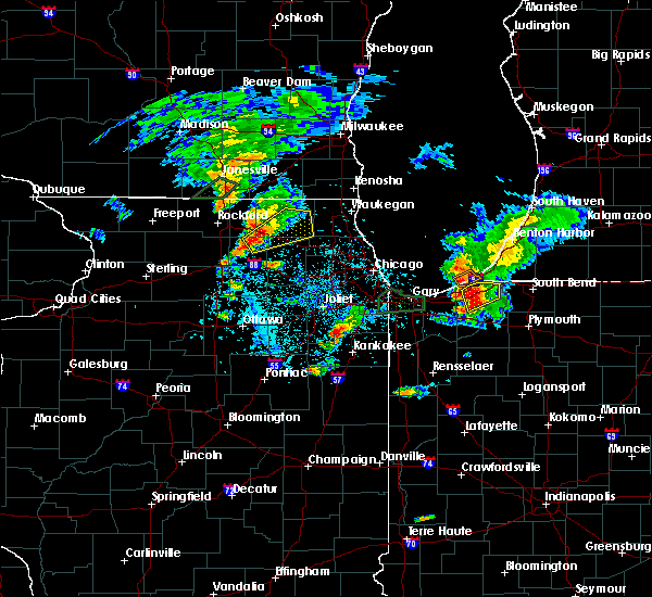 Radar Image for Severe Thunderstorms near Fox River Grove, IL at 5/23/2020 6:07 PM CDT