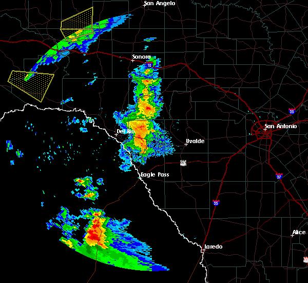 Radar Image for Severe Thunderstorms near Brackettville, TX at 5/23/2020 7:19 PM CDT