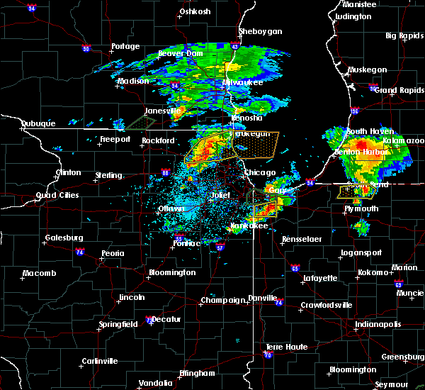 Radar Image for Severe Thunderstorms near Fox River Grove, IL at 5/23/2020 7:27 PM CDT