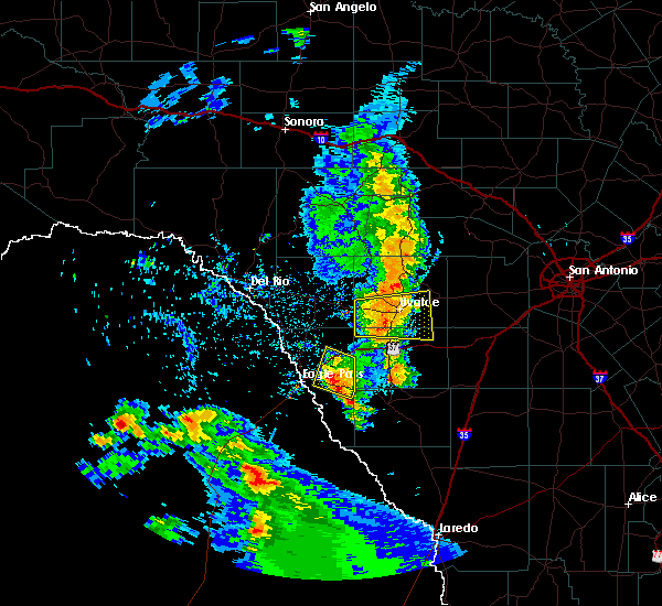Radar Image for Severe Thunderstorms near Chula Vista, TX at 5/23/2020 8:30 PM CDT